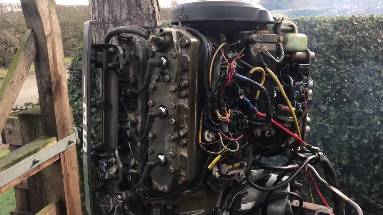 mariner 135hp v6 outboard oil injection [ 1280 x 720 Pixel ]