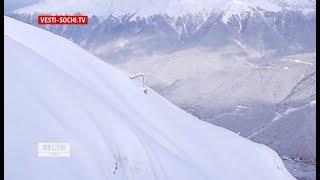 Туристы сняли сход лавин в горах Сочи