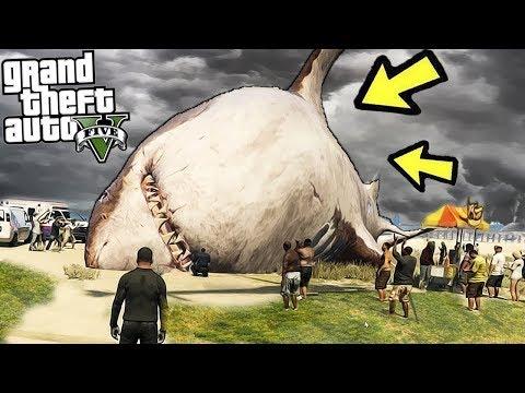 Поймали самую большую акулу в Лос-Сантосе! На нас напали монстры с воды реальная жизнь в гта 5 gta 5