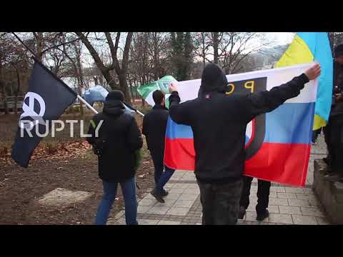 Hungary: Protesters turn out to counter far-right demo in Budapest