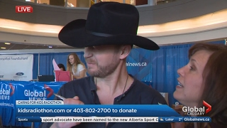 Country singer Paul Brandt eats awful tasting pie on live TV