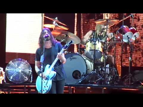 Foo Fighters - In the Clear (Live at Maracanã Stadium)