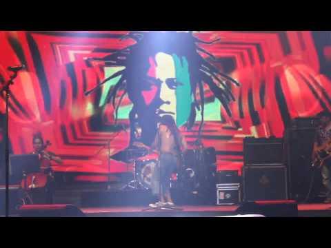 Tony Q Rastafara - Paris Van Java (live)