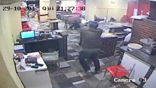 Policial coloca bandido pra correr à tiros