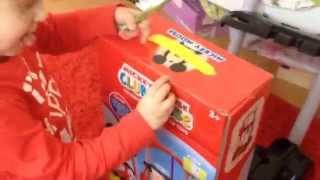 Mickey Mouse Cleaning kit Toys.  Мики маус игрушечный набор для уборки.
