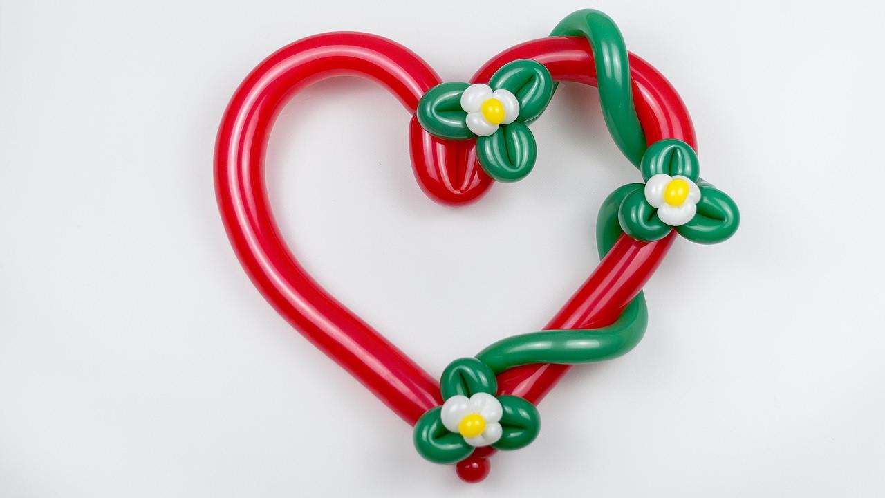 Сердце с цветами из шаров / Heart with flowers of balloons (Subtitles)