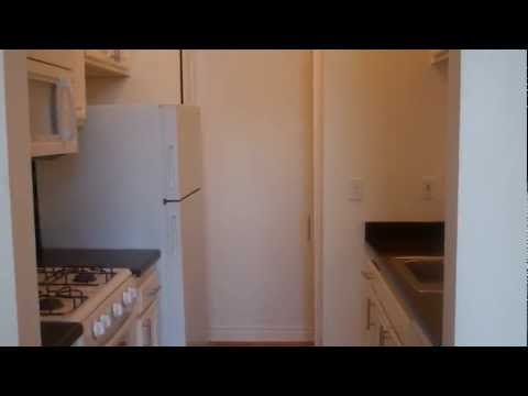 Versailles Apartments- Woodland Hills - 2 Bedroom - Santa Mo