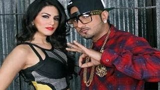 Sunny leone & yo yo honey singh caught in action