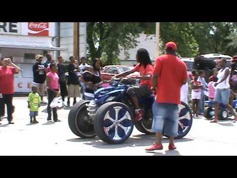 Blue Four Wheeler With Rims On Omaha Day 2009 Youtube