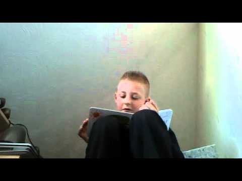 luca reading the very hungry catipilar #2010vids