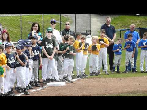 "Ralph Branca sings ""God Bless America"" at Stamford America Little League"