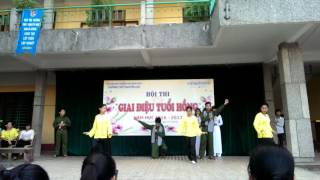 Màu hoa đỏ 🌹 lớp 11a8 trường THPT Nguyễn Huệ 💜