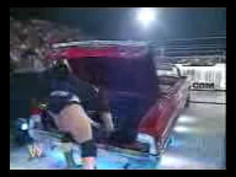 undertaker saves rey mysterio and the undertaker's dead ...