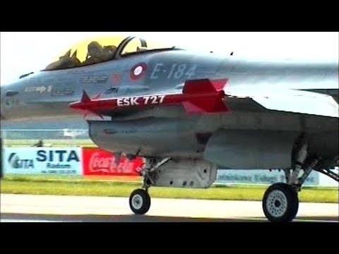 F-16A Fighting Falcon - Royal Danish Air Force @ Radom Airshow 2005
