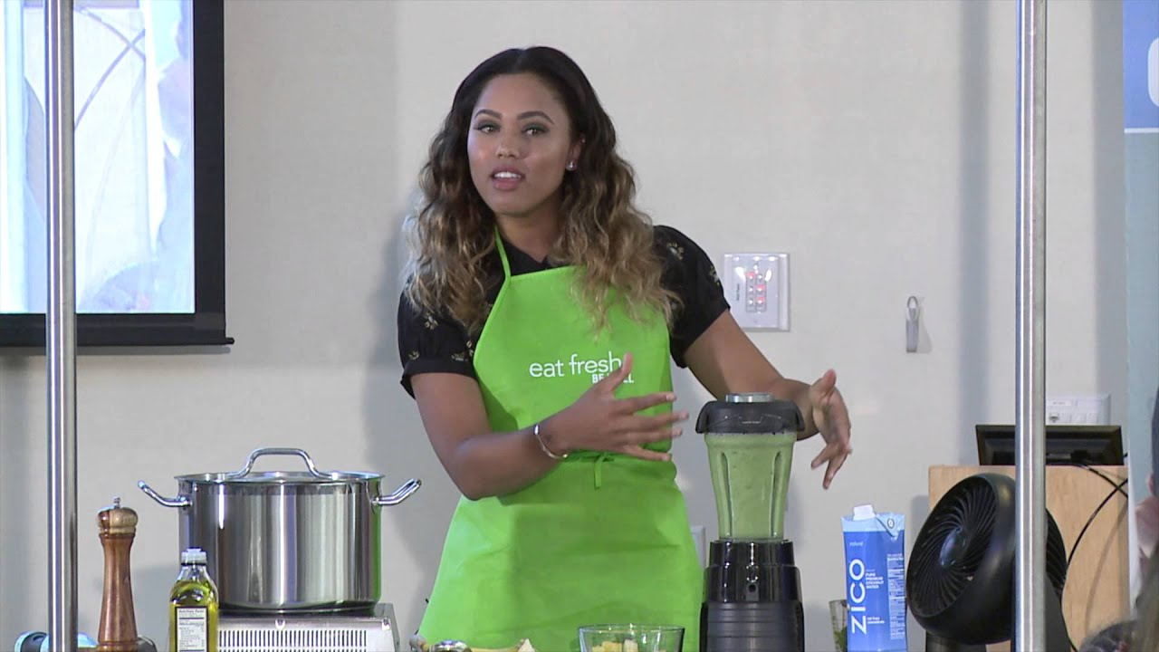 green breakfast smoothie from ayesha curry