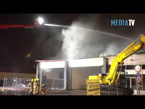 Grote brand in bedrijfspand Amnesty Internationallaan Hellevoetsluis
