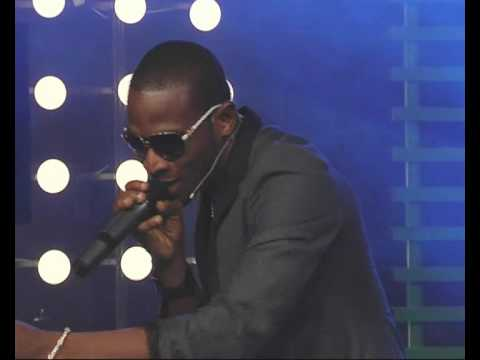 D'banj performing Live @ Glo G-bam Show