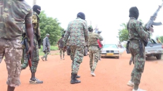 Ivory Coast unrest  Govt says it has reached a deal, some mutineers deny