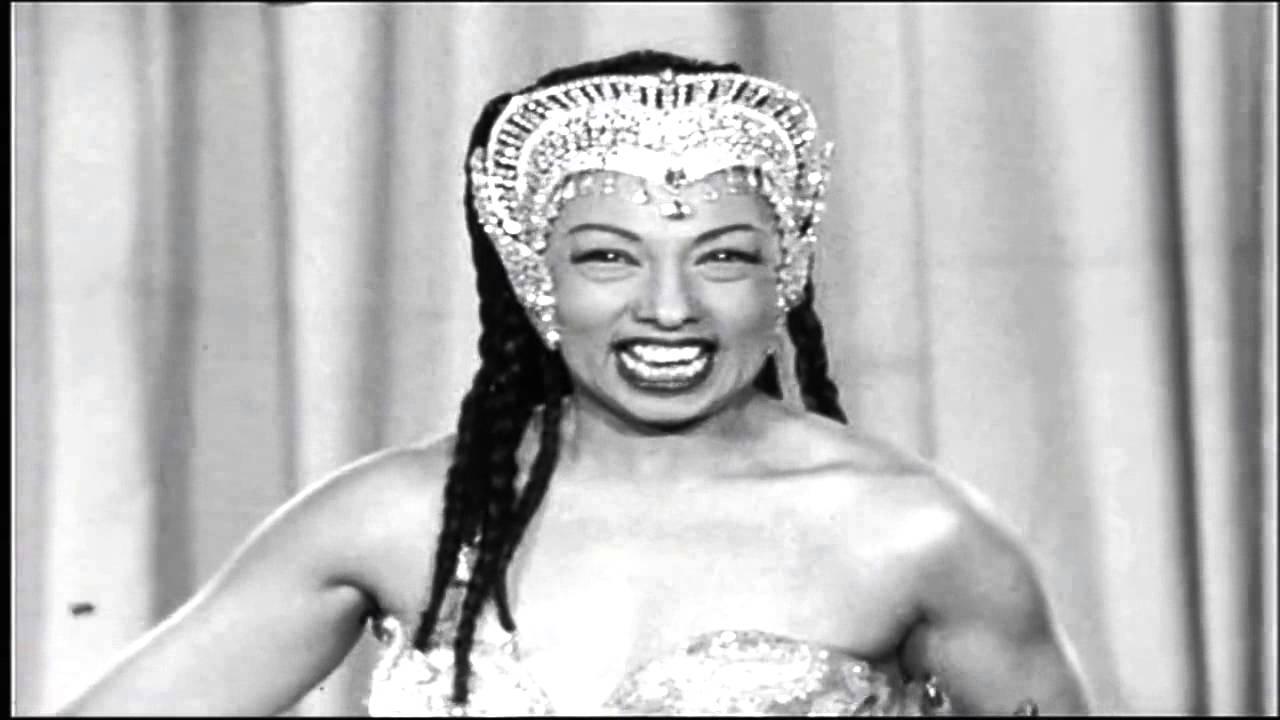 Josephine baker medley voila paris 1955 youtube for Josephine baker images
