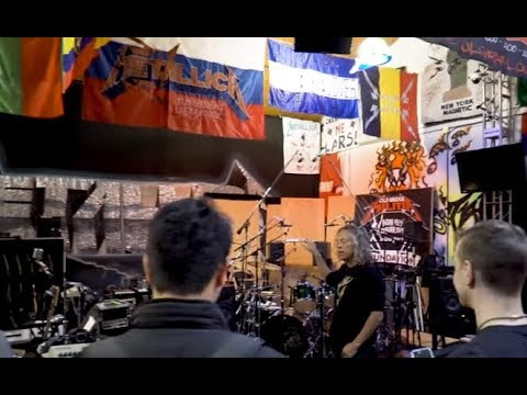 Metallica's James/Kirk tour Metallica's Headquarters with 3 contest winners..!