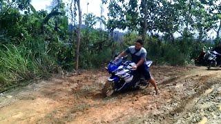 my trip yamaha r25 off road dihutan kalimantan