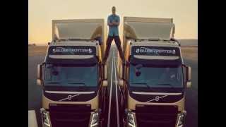 Repeat youtube video Van Damme vs Chuck Norris epic split