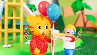 Daniel Tiger´s Toys 🐯 Adventures of Daniel Tiger!  😀🎈🚍