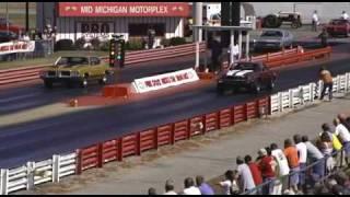 1970 Camaro Z/28 vs 1971 442