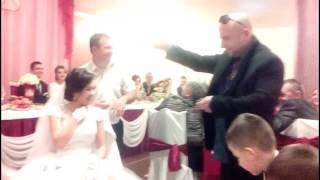 Класный новый русский собирается купить невесту на свадьбе