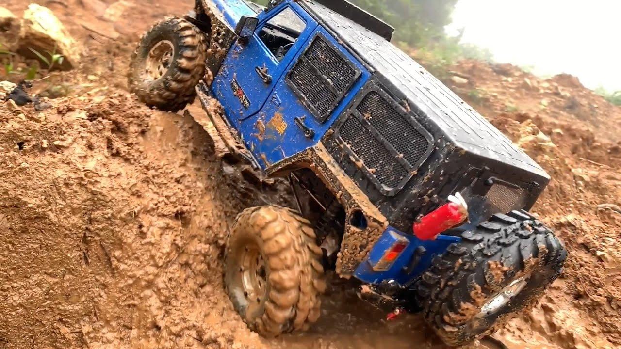 1/10 Scale RC : Jeep Wrangler Rubicon JK Muddy Hill Climbing #29.