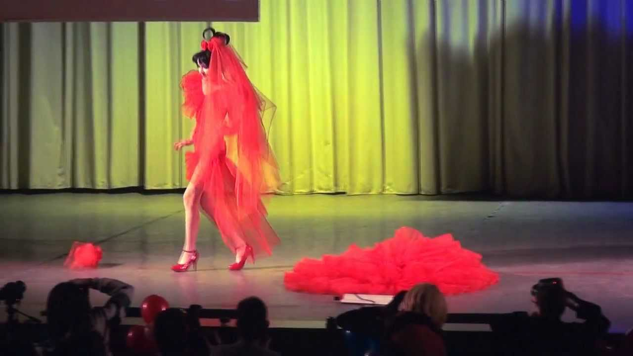 Lydia Deetz wedding dress  Beetlejuice  RR  YouTube