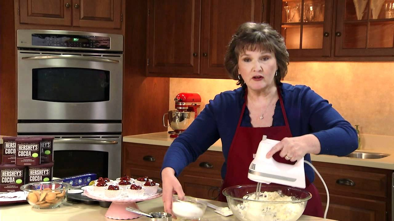 Cheesecake Recipes from HERSHEY\'S Kitchens - YouTube