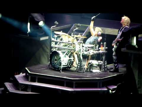 Def Leppard - Rick Allen drum solo Live in Madrid 2013