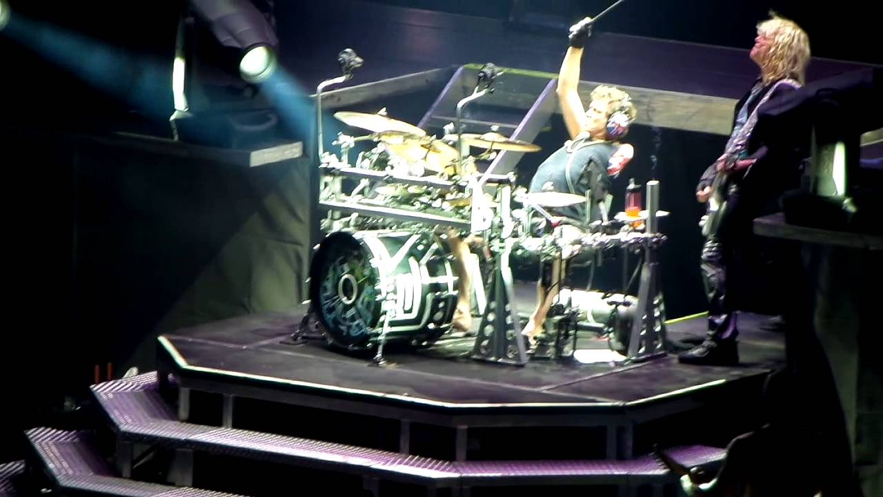 Def Leppard  Rick Allen drum solo Live in Madrid 2013