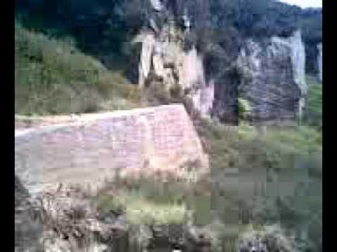 big sketchy boulder drop at shipley glen - kian minnis