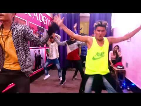 kisi ko bhang ka nasha hai mujhe tera nasha hai video song dj   Dance