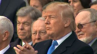 בפעם השנייה: טראמפ מתקבל בקריאות בוז באירוע ספורט