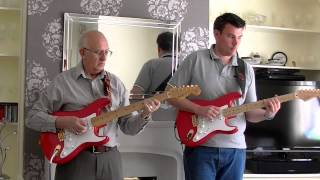 Walk Right Back - The Everly Brothers Guitar Instrumental by Steve Reynolds & Dave Monk