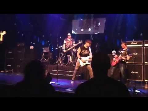 Never Let You Go Steelheart Cover by Menace of Dubuque IA.  Live @ The Mississippi Moon Bar 8/29/14