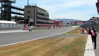 Mugello, 29.05.09, MotoGP, primo passaggio sul rettilineo, 330 km/h