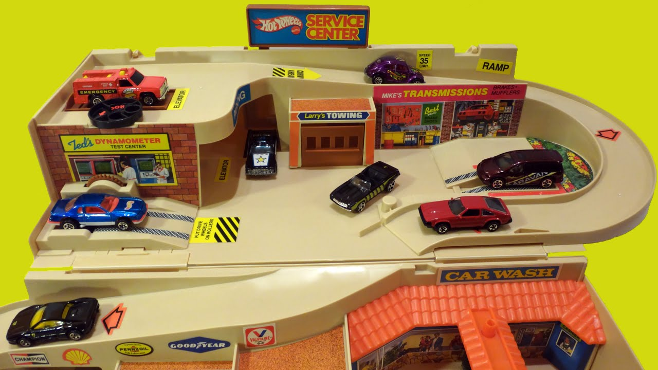 1979 Hot Wheels Service Center Sto Amp Go Playset Brand New