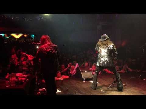Jess Harnell Enters Stage At Rock Sugar Concert