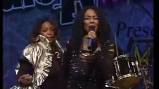 Gwen McCrae Rockin Chair, Keep The Fire Burning, 90% Of Me, Clean Up Woman  2010 Tour
