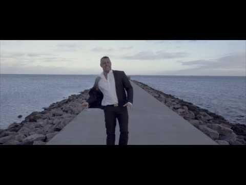 Kærlighed gør ondt  (OFFICIAL VIDEO)