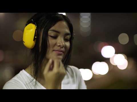Tania Anjani - Lihatlah Aku (Official Music Video)