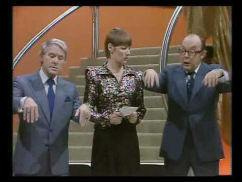 Glenda Jackson plays Hamlet as written by Ernie Wise