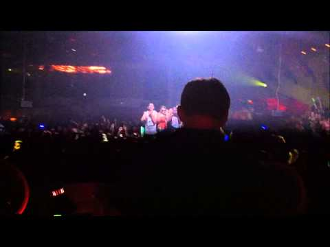 Hardwell @ The GUVERNMENT (Revealed Bus Tour) 02.02.2013 + Crazy Intro!!
