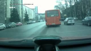 ПАЗик высадил пассажиров М929ВЕ152