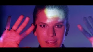 Sofie Winterson - Your Eyes (Official Video)