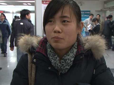 Beijing university graduates struggle to find jobs